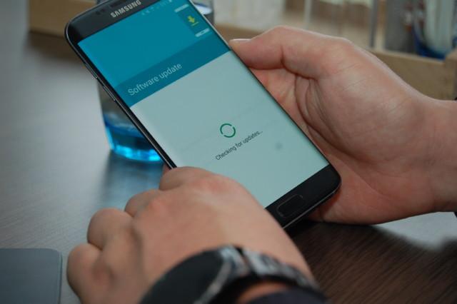 Galaxy S7, S6, nuovi firmware