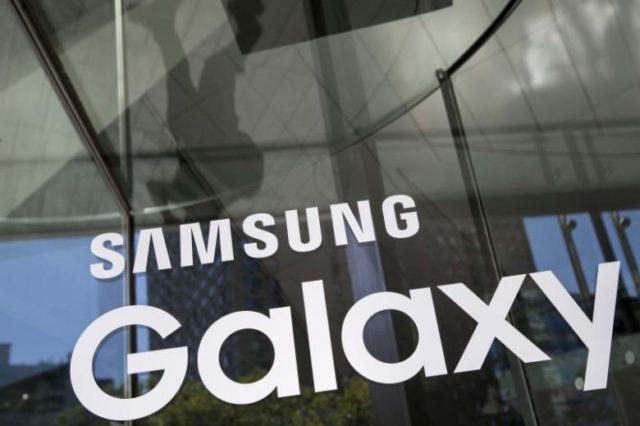 Galaxy S8 con assistente digitale