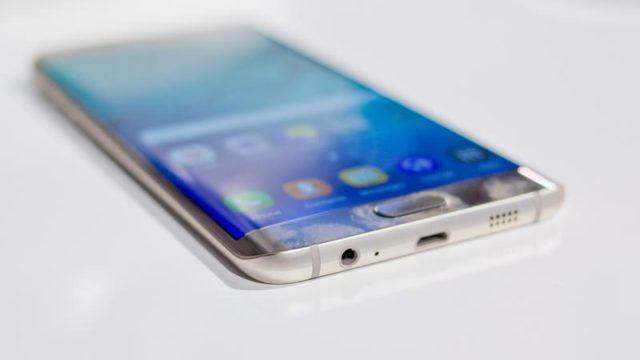 Galaxy S6 Edge Plus aggiornamento firmware
