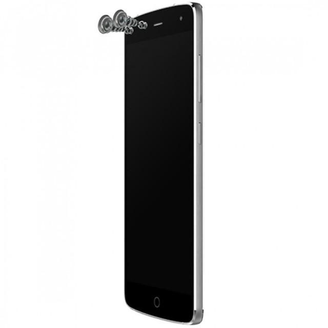 Alcatel Flash il primo smartphone con quattro fotocamere: dual anteriore e posteriore