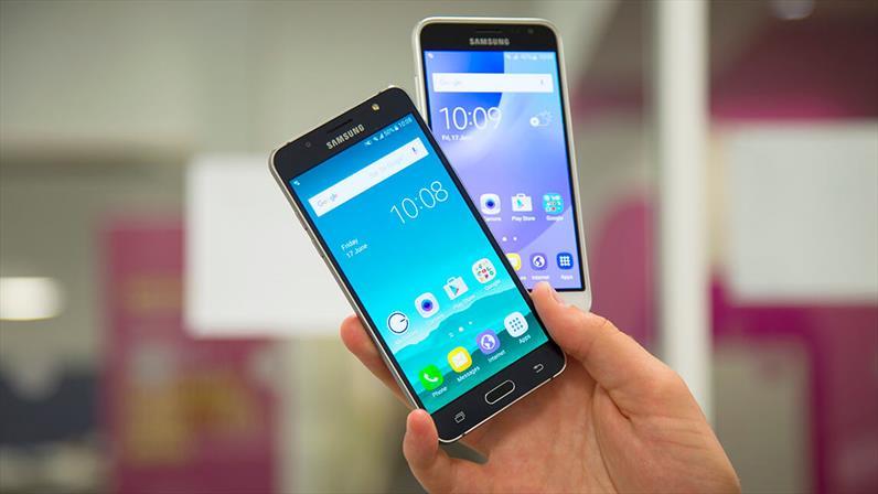 Galaxy J3 e Galaxy J5 2016 Android Nougat