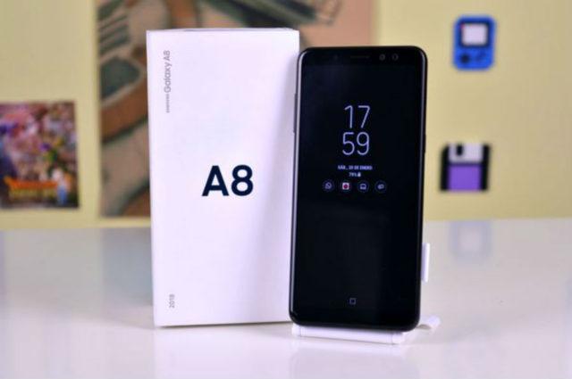 Galaxy A8 nuovo aggiornamento firmware in Italia con sicurez