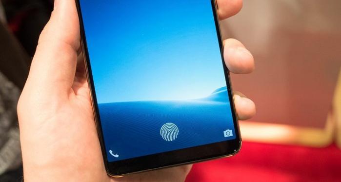 Galaxy S10+: Aggirato il sensore di sblocco con una stampa 3D