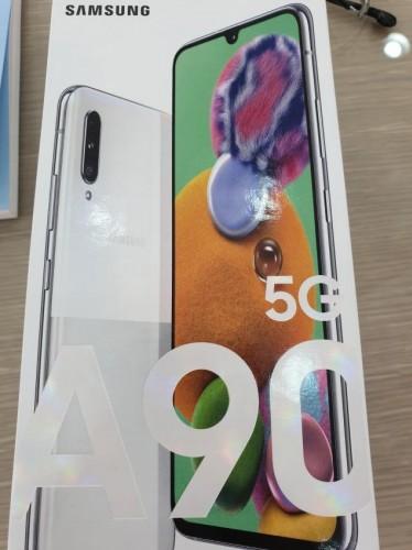 Galaxy A90 5G immagini scatola