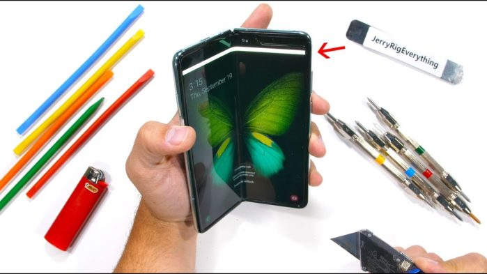 Samsung Galaxy Fold test resistenza (video)