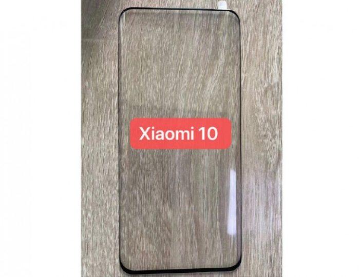 Xiaomi Mi 10 display senza tacche e curvatura ai bordi