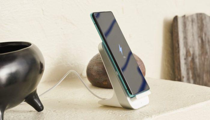 OnePlus 8 Pro ricarica wireless