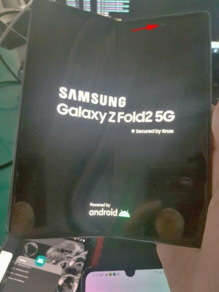 Galaxy Z Fold 2 forellino frontale