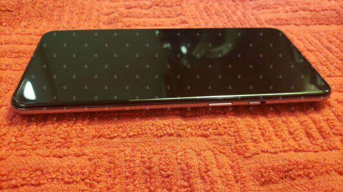 OnePlus 9 5G design 4