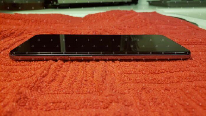 OnePlus 9 5G si mostra in alcune immagini dal vivo