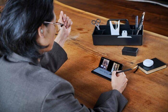 Galaxy Z fold 3 design 2